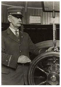 Lewis Hine(1874-1940) -The Pilot- Postkaart