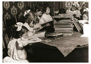 Lewis Hine(1874-1940) -A Small Public Library- Postkaart