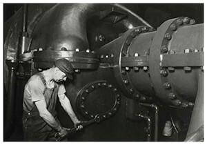 Lewis Hine(1874-1940) -Steamfitter (Work Portrait)- Postkaart