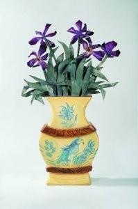 Arja van den Berg (1947) -Vaas met paarse bloemen- Postkaart