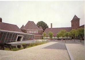 Ben van Berkel (1957) -Museumcafe- Postkaart