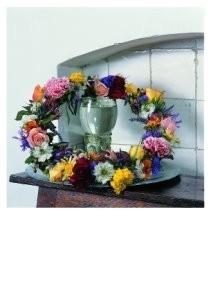 Muiders, -bloemenkrans met ro- Postkaart