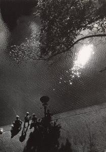 Eva Besnyo  (1910-2003) -Leidsekade, Amsterdam, 1952- Postkaart