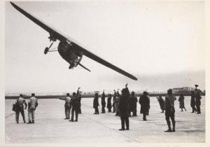 Anoniem -Vertrek per KLM naar Indie, april 1931- Postkaart
