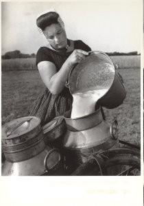 Eva Besnyo  (1910-2003) -Westkapelle 1939- Postkaart