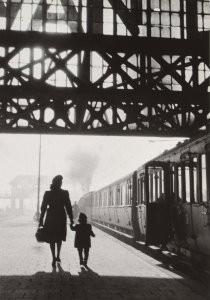 Dirk de Herder (1914-2003) -Ga nooit op reis zonder een koffer met dromen, Cen- Postkaart