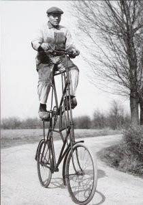 Henk  Blansjaar (1910-1981) -Etagefiets, 1951- Postkaart