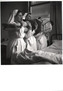 Maria Austria (1915-1975) -Het rode kruis- Postkaart