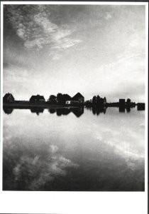 Eva Besnyo  (1910-2003) -Broek in Waterland- Postkaart