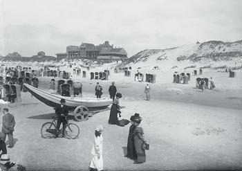 A.J.Bonda (1872-1928) -Strandafgang Zeeweg, Bergen aan Zee- Postkaart