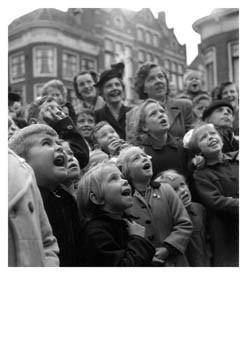 Maria Austria (1915-1975) -Poppenkastpubliek, Alkmaar- Postkaart
