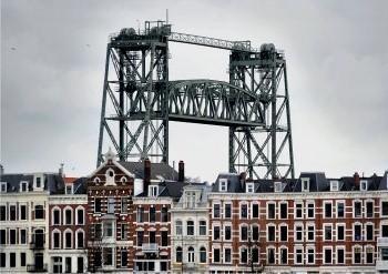 Flip Franssen (1956) -Rotterdam, Spoorbrug De Hef, 2008- Postkaart