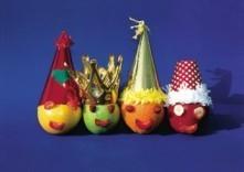 Sietske de Vries -Fruit met hoedjes, 2001- Postkaart