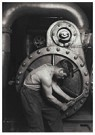 Lewis Hine(1874-1940)  -  Mechanic At Steam Pump In Electric Power House - Postkaart -  A16727-1