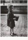 Emmy Andriesse (1914-1953)  -  Amsterdam, hongerwinter, 1944-45 - Postkaart -  B2241-1