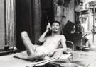 Fu Chun Wang  -  Listening - Postkaart -  B2955-1