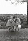 Oda Akkermans  -  Zusjes met baby (2) - Postkaart -  B3360-1