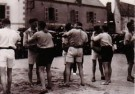 Kurt Lubinski (1899-1969)  -  Worstelaars begroeten elkaar, Bretagne 1932 - Postkaart -  B3364-1