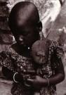 Kurt Lubinski (1899-1969)  -  Ashanti-meisje met vruchtbaarheidsbeeldje 1937-38 - Postkaart -  B3367-1