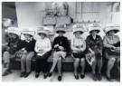 Bert Nienhuis (1944)  -  Kappersvaksschool-Hairdressing school, Amsterdam - Postkaart -  B3418-1