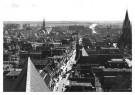 P.D. van der Poel (1919-2004)  -  Langestraat vanaf de Grote Kerk, Alkmaar - Postkaart -  B3713-1
