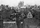 Spaarnestad Fotoarchief,  -  Sinterklaas met zijn paard over de daken - Postkaart -  D1156-1