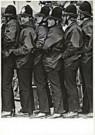 Katalin Arkell  -  Scotland Yard in action - Postkaart -  QB026-1