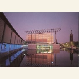 Nederlands Architectuurinstituut, met rechts het b