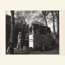 Draaiorgel op gracht, Amsterdam, 1948