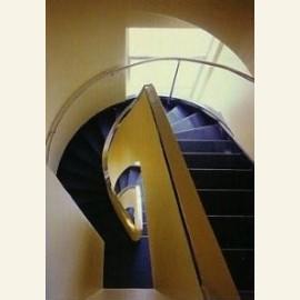 Het gerestaureerde trappenhuis